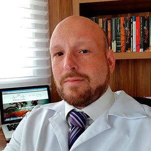 Dr. Ricardo Contesini